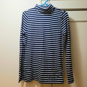 NWT J. Crew turtle neck, medium